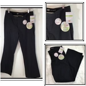 Dickies   Woman's Slim Fit Bootcut   Size 10R